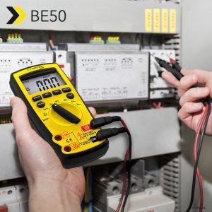 Digitale multimeter BE50 voor het bepalen van de meetgrootheden spanning, stroom, capaciteit, weerstand, frequentie, temperatuur en schakelverhouding – weer te verkrijgen