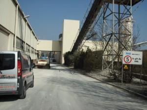 Gipsfabrik mit Leckage an Trinkwasserrohren