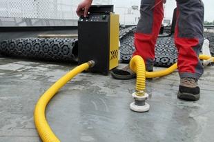 Installation du tuyau à fumigène